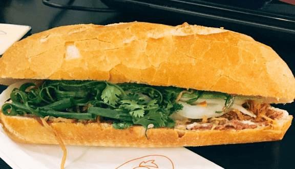 Hình ảnh bánh mì gà Cát Tiên