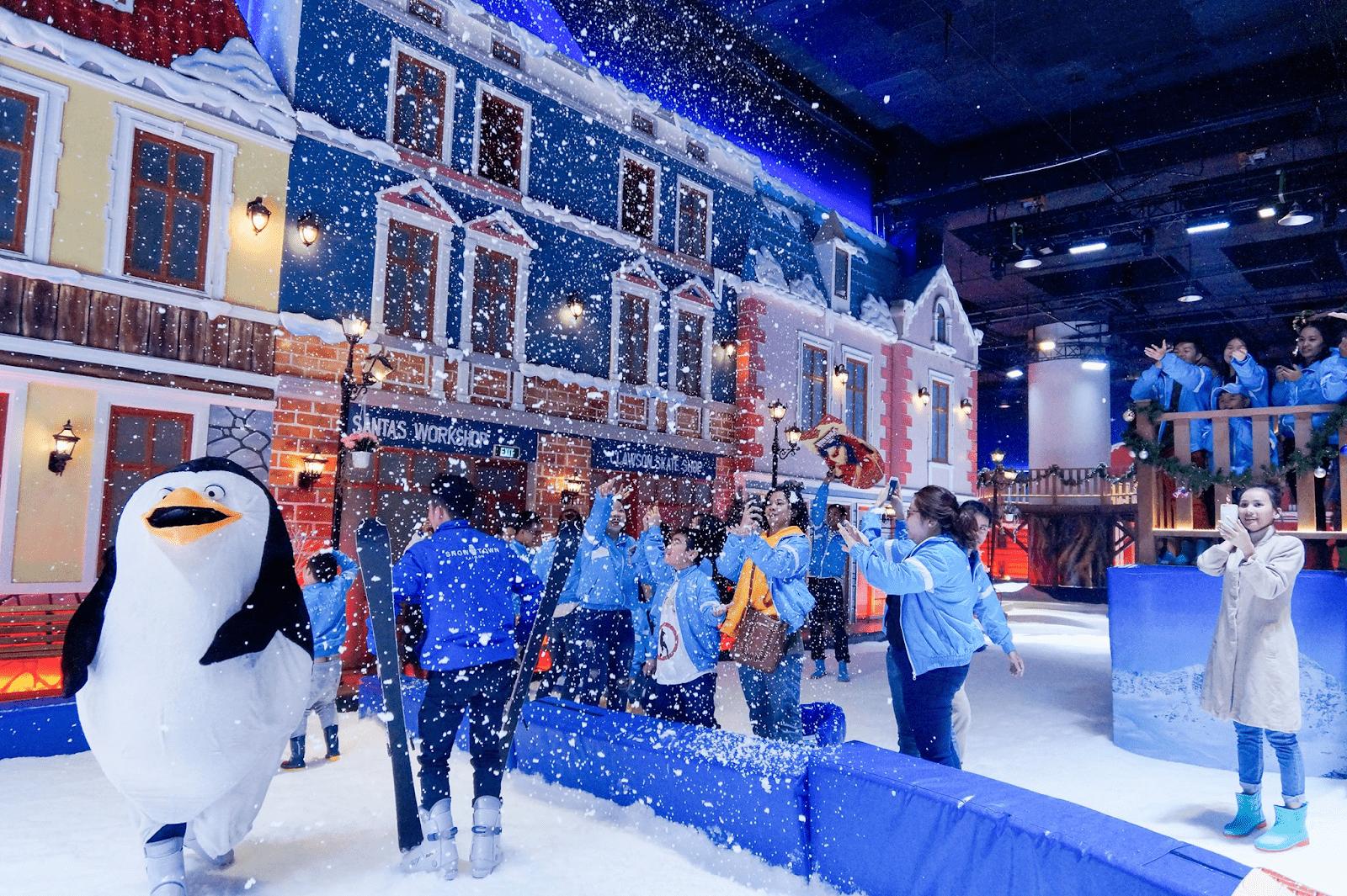 Thỏa sức nô đùa cùng tuyết trắng tại Snow Town