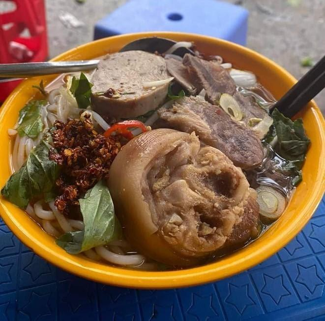 Bún bò Huỳnh Thúc Kháng