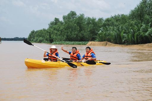 Chèo thuyền Kayak tại The BCR