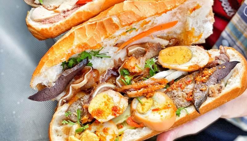 Bánh mì phá lấu Tuấn Mập