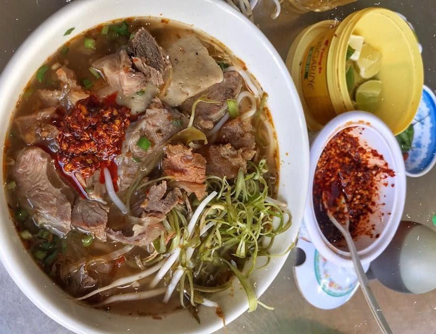 Quán Thúy – Bún bò Huế, mỳ Quảng