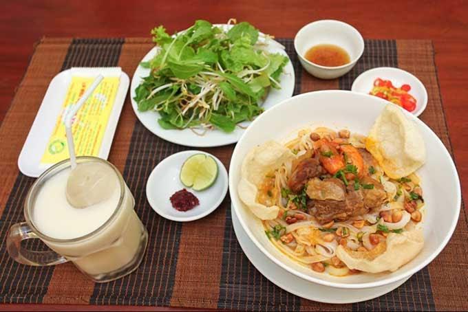 Đà Nẵng là một thành phố của ẩm thực bởi nhiều món ăn hấp dẫn, ngon bổ rẻ