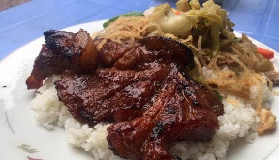 Quán cơm tấm ngon đúng chuẩn Sài Gòn nhất theo nhận định của rất nhiều khách từng đến đây ăn