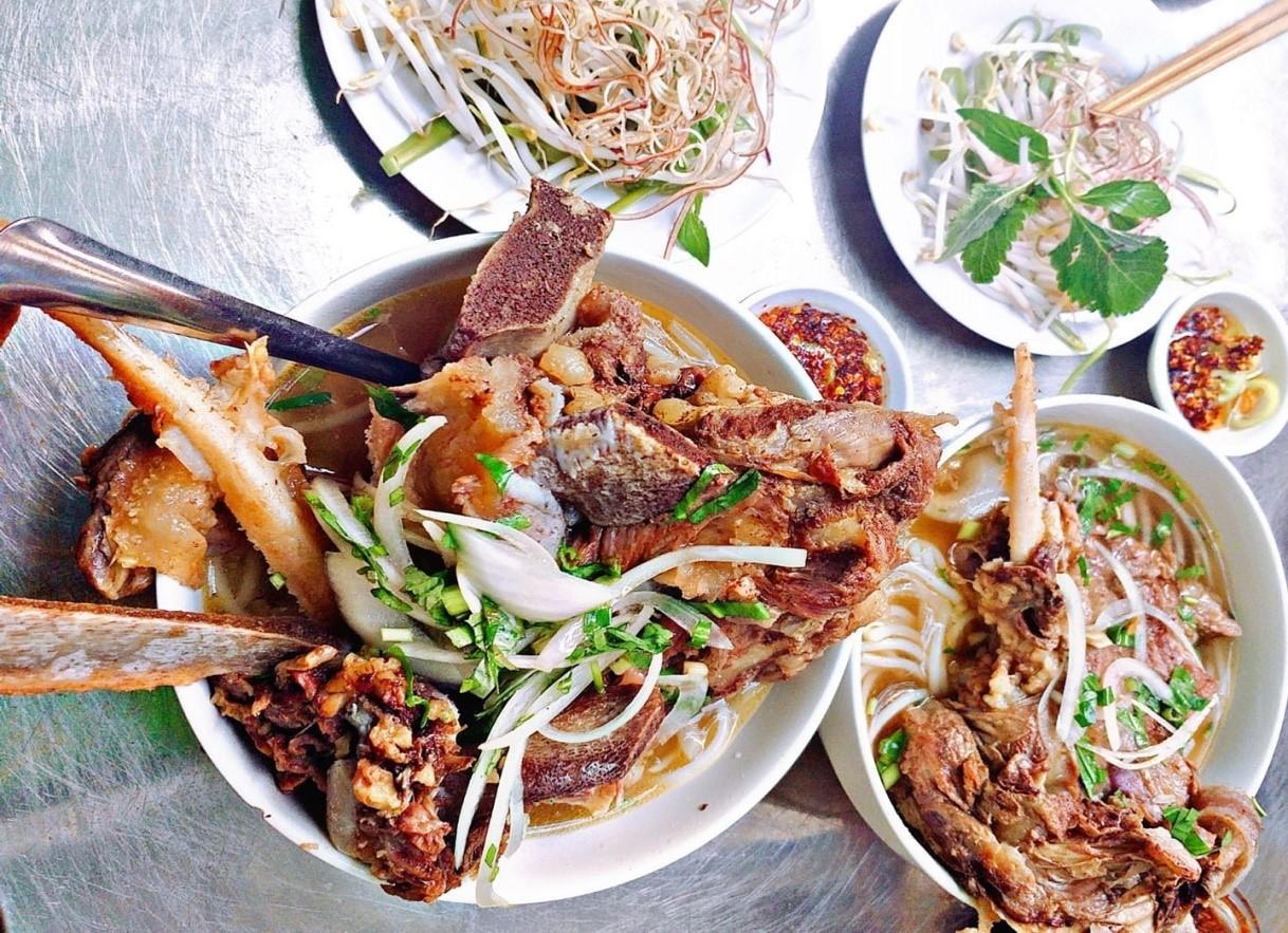 Bún bò Phú Hưng