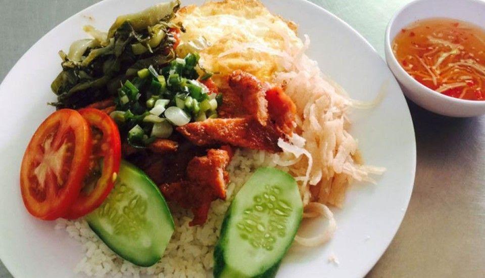 Cơm Tấm Cô Thắm Sài Gòn là quán cơm ngon, sạch sẽ và rất chất lượng