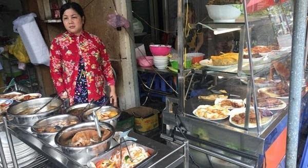 Cơm ngon, giá bình dân và chị chủ là người rất vui vẻ