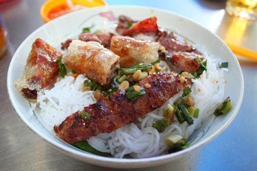 Quán bún thịt nướng Dương Ngọc