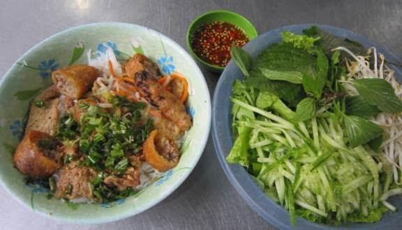 Quán bún thịt nướng Chinh Chinh