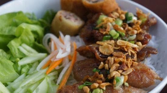 Quán bún thịt nướng Vườn Lài