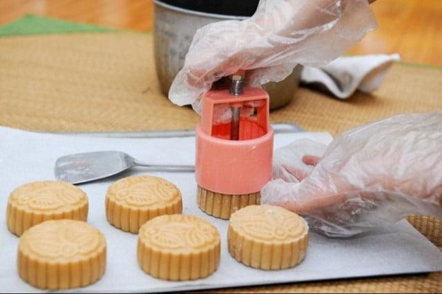 Tạo hình cho bánh