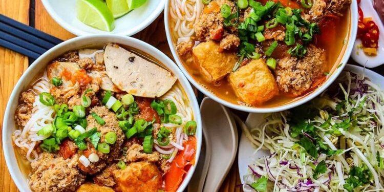 Cách nấu bún riêu Sài Gòn