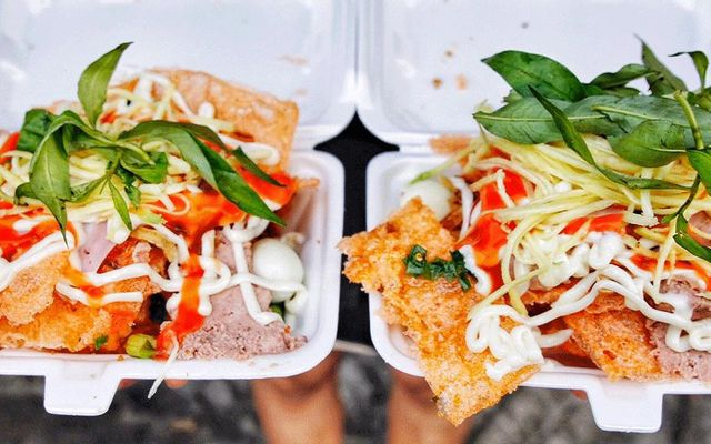 Bánh tráng chiên - 10 món ăn ngon quận Phú Nhuận