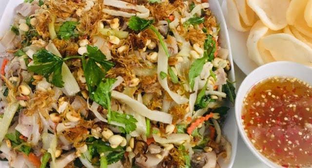 Gỏi ngó lục bình trộn tôm thịt - Món ăn ngon tại Bình Dương