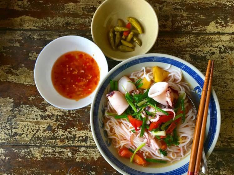 Bún mực - 10 món ăn ngon Phú Yên