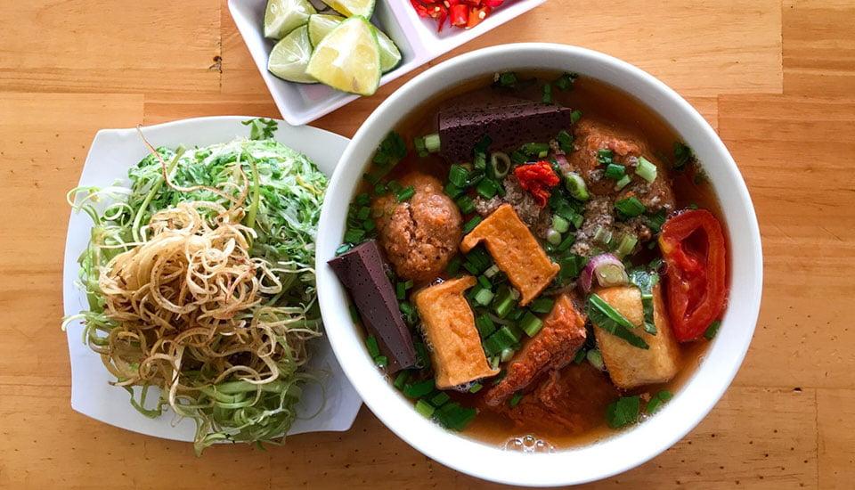 Bún riêu cua đồng - 10 món ăn ngon huyện Cần Giờ