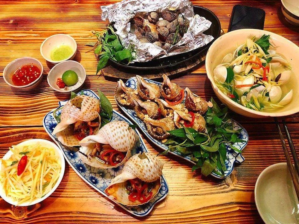 Ốc Bụi Bụi - 10 món ăn ngon quận 10