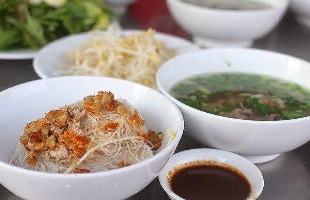 Phở khô - Món ăn ngon tại Gia Lai
