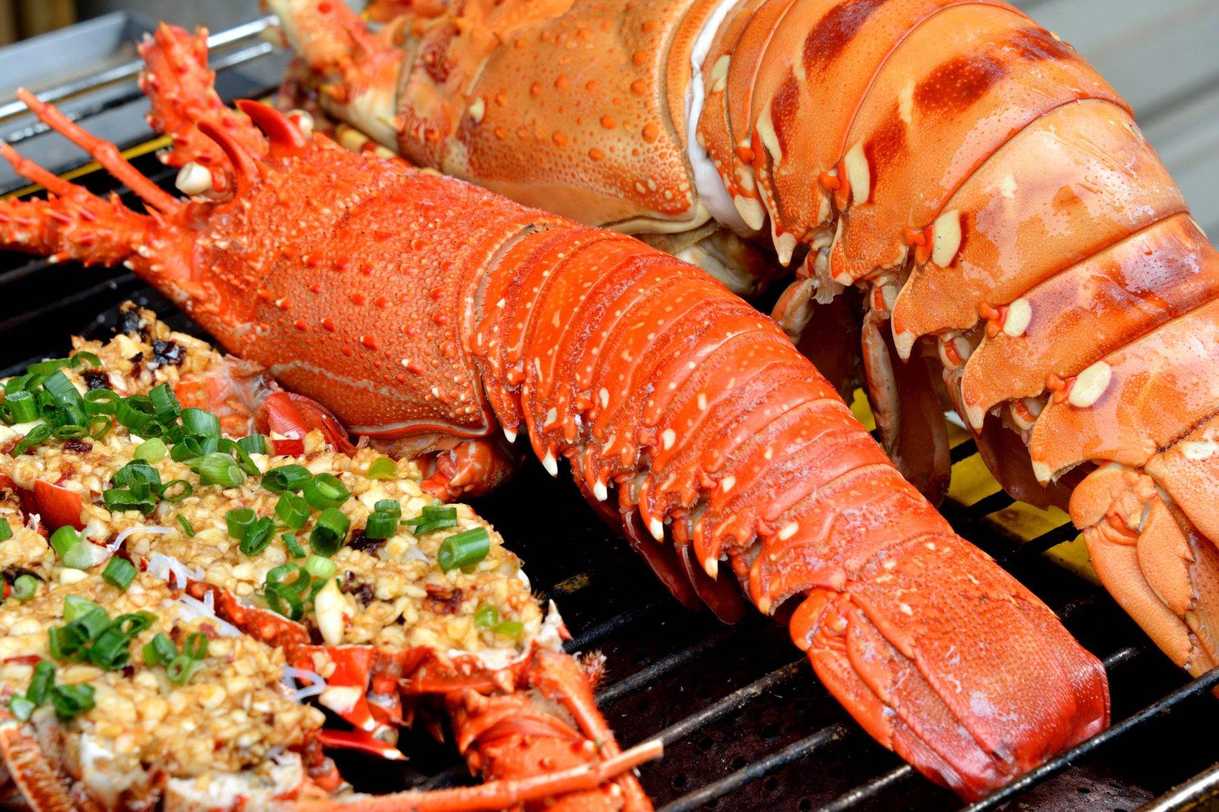Hải sản Phú Lộc