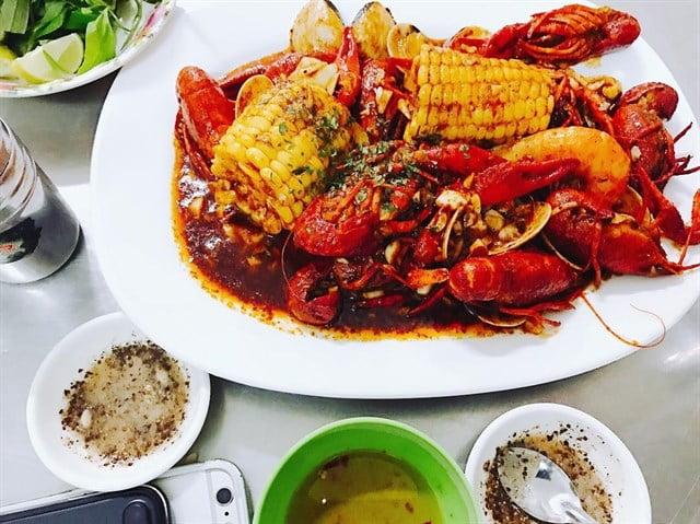 Cajun hải sản 379 - 10 món ăn ngon quận 10