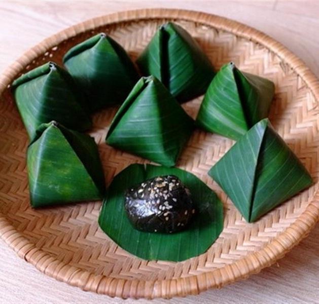 Bánh ít lá gai - 10 món ăn ngon Quảng Trị