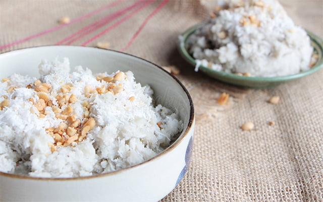 Chuối quết dừa - 10 món ăn ngon Tiền Giang