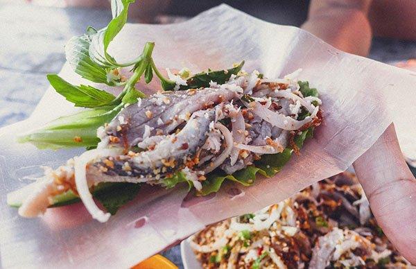 Gỏi cá bỗng - 10 món ăn ngon Tuyên Quang