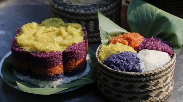Xôi ngũ sắc - 10 món ăn ngon Sơn La