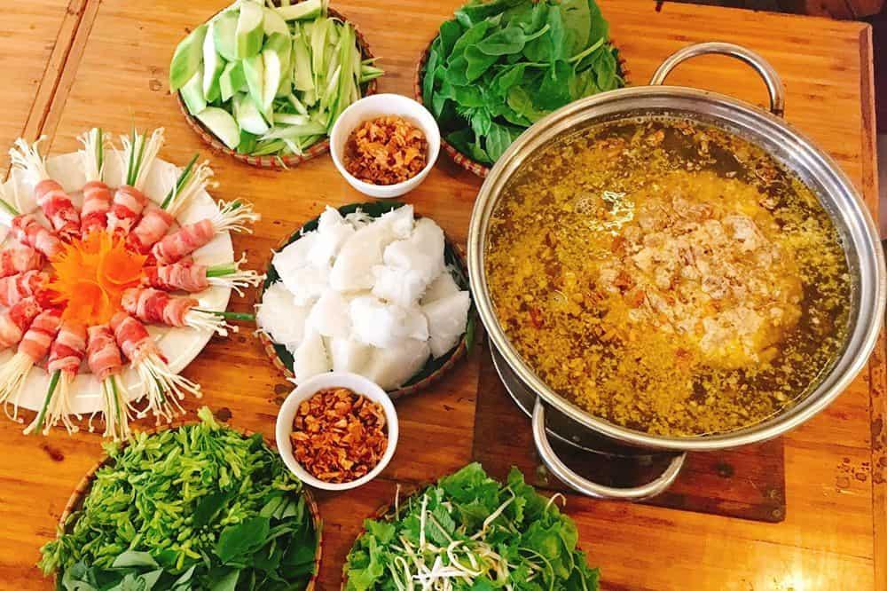 Lẩu cua đồng - 10 món ăn ngon Vĩnh Long