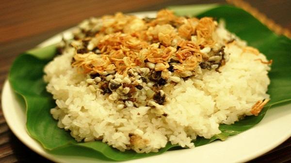 Xôi trứng kiến - 10 món ăn ngon Yên Bái